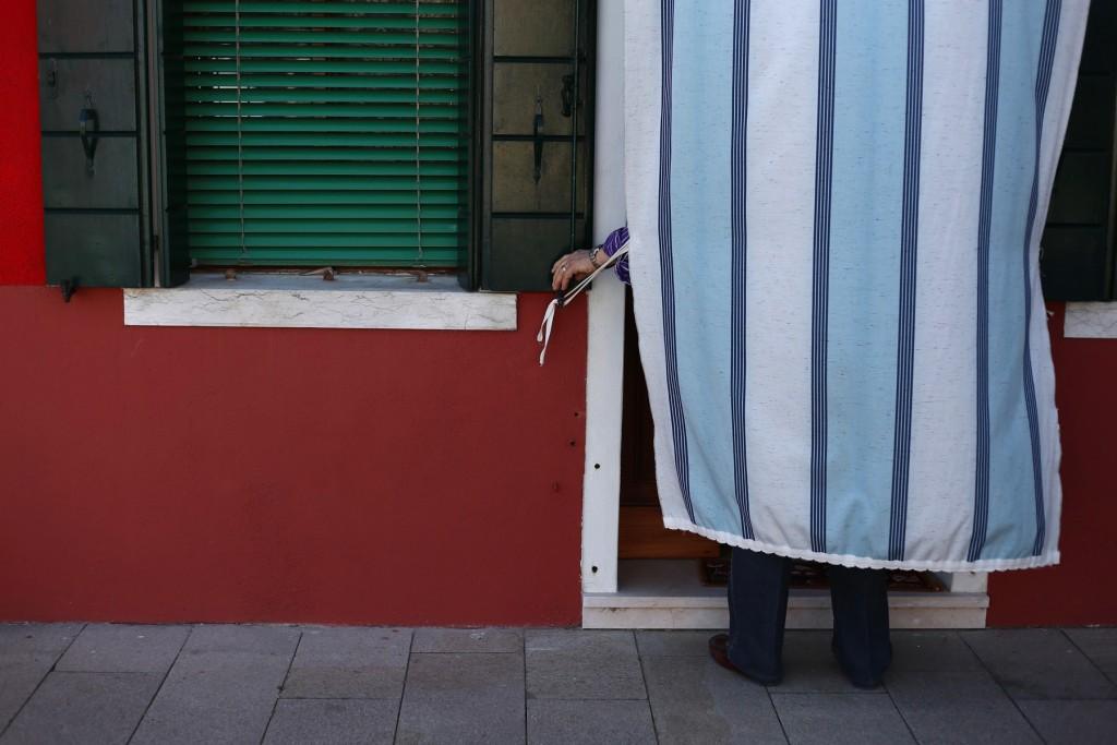 uomo-tenda